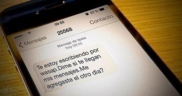 Estafan a usuarios de Twitter utilizando los grupos de WhatsApp como gancho