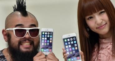 El iPhone 6 no solo se dobla, sino que también arranca el pelo
