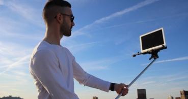 El palo selfie para MacBook ya es una realidad