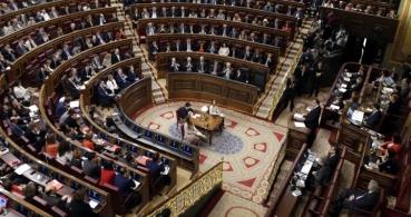 Destinados 1,6 millones de euros para teléfonos y tarifas de los diputados