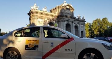 Taxi, Cabify y Uber se unen contra Zity, Emov, Car2go y Wible