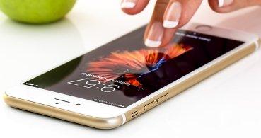 Apple cae por segundo trimestre fiscal consecutivo