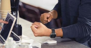Versa 2 es oficial: Alexa llega al smartwatch deportivo de Fitbit