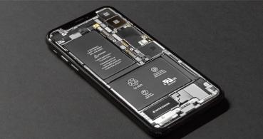 ¿Adiós a las baterías no extraíbles? La Unión Europea quiere que sustituirlas sea fácil