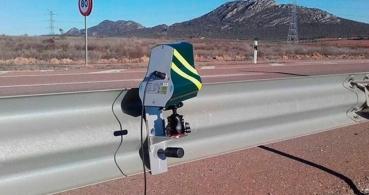 La DGT quiere limitar Maps, Waze y otras apps de avisos policiales