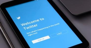 Polémica en Twitter: su algoritmo prioriza fotos de personas blancas frente a negras