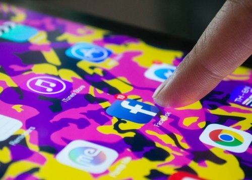 facebook-app-movil-1300x650