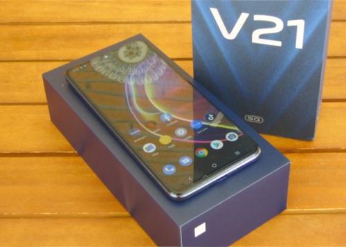 Review: Vivo V21 5G, selfies de 44 MP con estabilización óptica en un móvil convincente