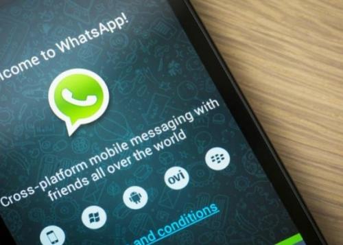 whatsapp-smartphone-090215