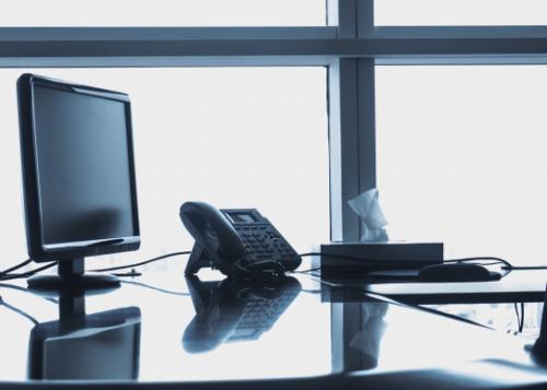 oficina-telefono-ordenador-720x388