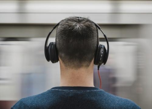 musica-auriculares-720x360