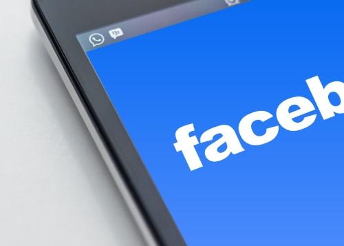 facebook-movil-1300x650