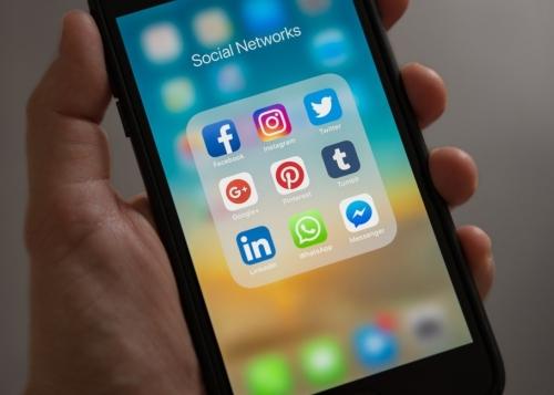 1 de cada 5 españoles dedica más de 3 semanas al año a las redes sociales