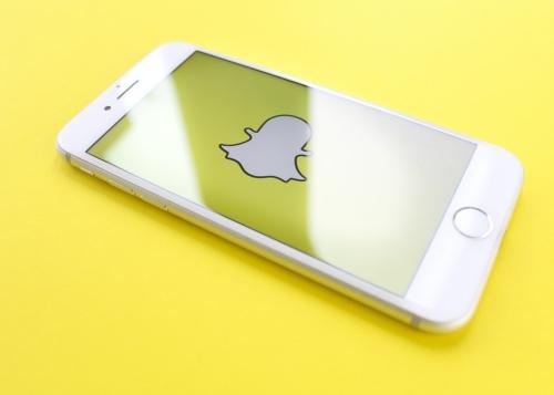 Snapchat copia a TikTok: permitirá añadir música a los vídeos