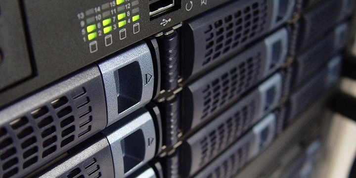 raid-servidores-almacenamiento-datos-720x360
