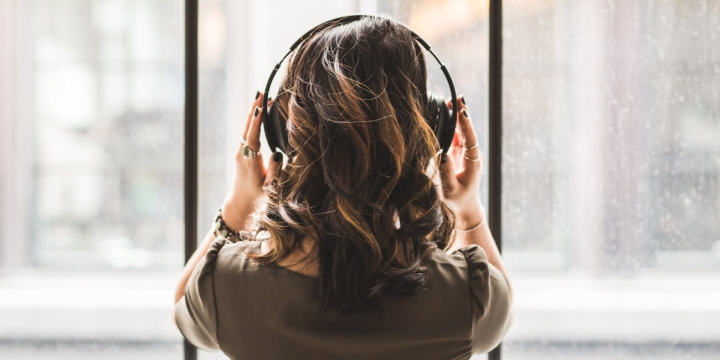 auriculares-musica-b-1300x650