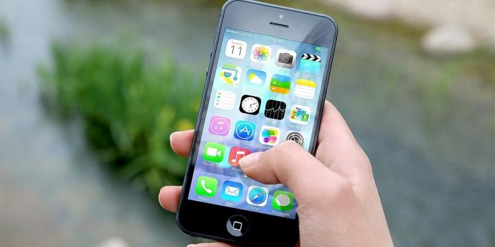 iphone-manos-1300x650