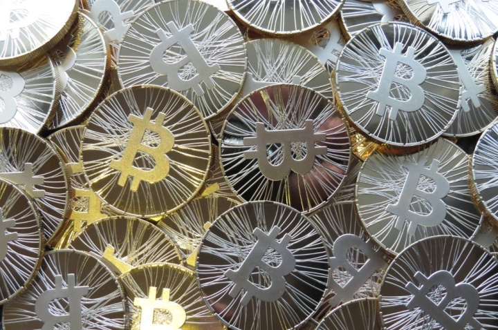 bitcoin-250914-licencia