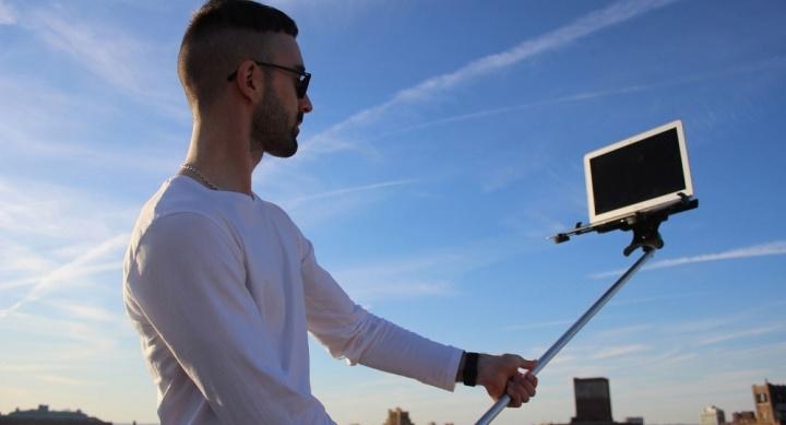 palo-selfie-macbook-270216