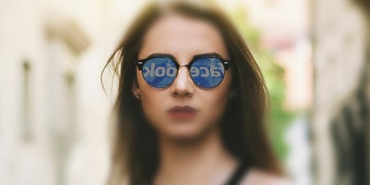 facebook-mujer-gafas-720x360