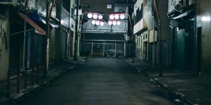 calle-noche-2-720x360