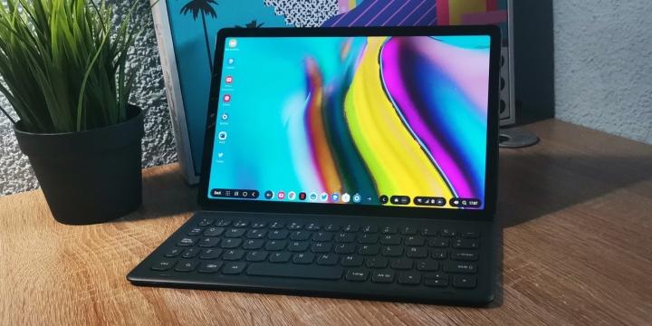 galaxy-tab-s5e-porta-1300x650