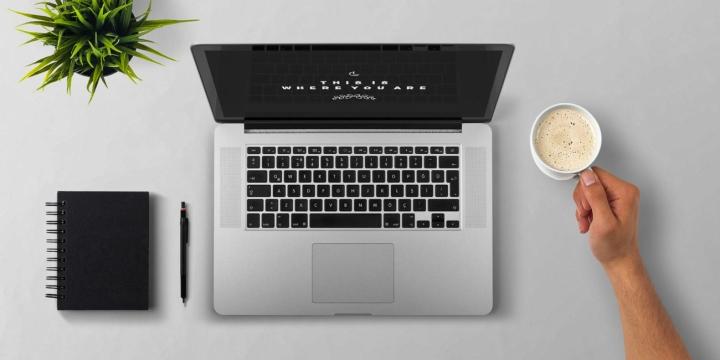 portatil-mesa-cafe-1300x650