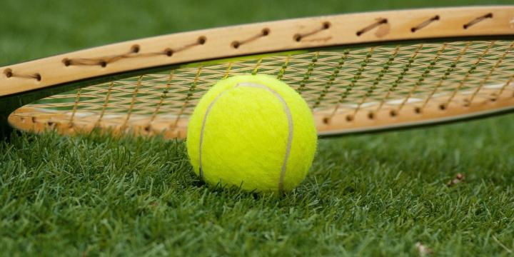 tenis-raqueta-pelota-1300x650