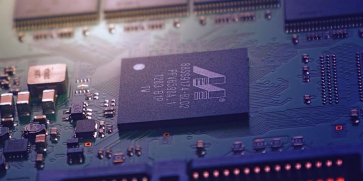 chip-placa-base-1300x650