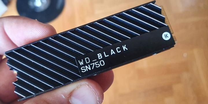 western-digital-black-sn750-5-1300x650--1300x650
