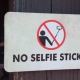 Disney prohibe los palos selfies en los parques temáticos