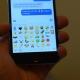 Los emojis selfie, dedos cruzados y embarazada llegarán a WhatsApp en 2016