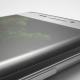 Una línea rosa está apareciendo en la pantalla de algunos Samsung Galaxy S7 Edge